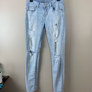 American Eagle Destroyed Skinny Jeans Mid Rise